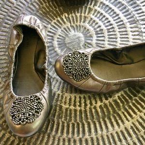 Tahari Ballet Flats Silver Leather Sz 7.5